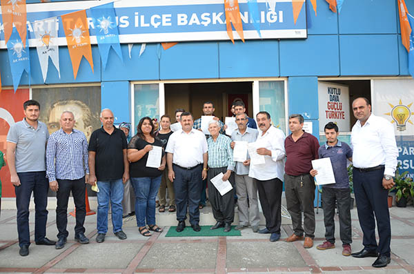 Tarsus'ta  AK Parti'ye üye kayıtları devam ediyor