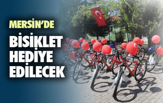 """Mersin'de """"Karnemi Dolduruyorum, Trafiğe Güvenle Çıkıyorum"""" Sloganı Çocuklara Bisiklet"""