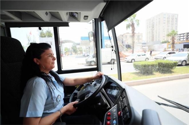 Kadın Şoförler Bayramda da Direksiyon Başında