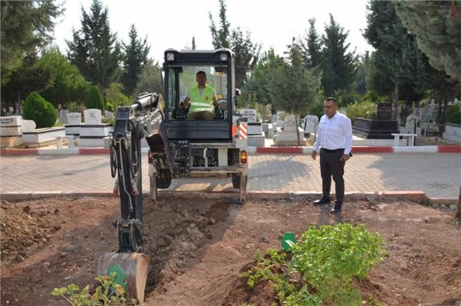 Mezarlıklar Büyükşehir'le Bakımlı Hale Geliyor