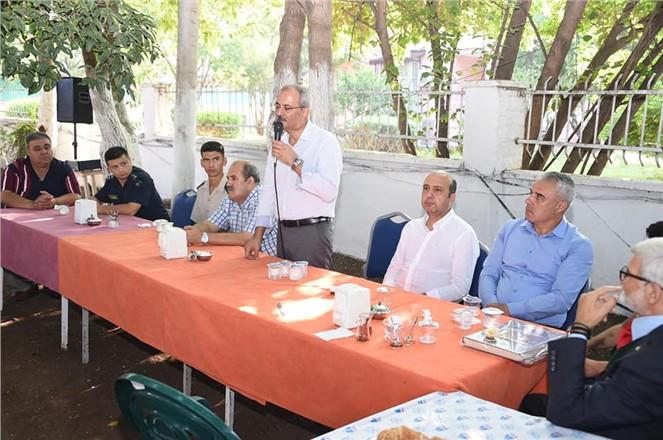 Tarsus Huzurevine kalanlarla bayramlaşma yapıldı