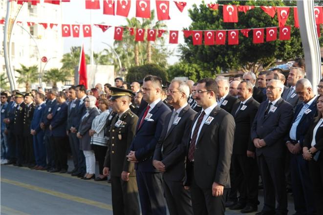 Atatürk için Cumhuriyet meydanında anma yapıldı