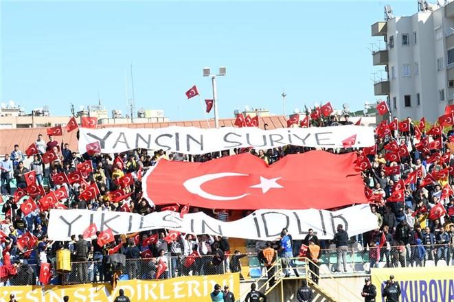 Tarsus Şehir Stadında Türk bayrakları ve tezahüratlarla Şehitler anıldı