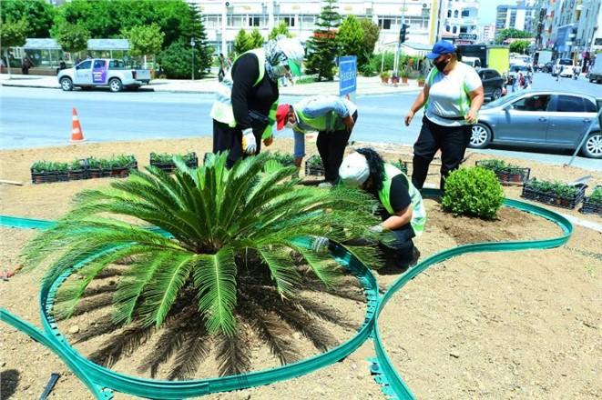 Park ve Bahçeler Ekiplerinin Bayram Mesaisi Yoğun Geçti
