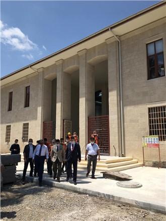 Vali, Tarsus Müzesi restorasyon çalışmalarını yerinde inceledi
